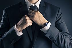 第一印象はスーツの「色」で決まる? シーン別オススメスーツ