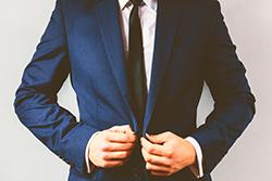 社会人必見! スーツの正しい衣替えのタイミングと注意点