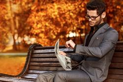 秋はオシャレの季節! 涼しくなる秋に身につけたいスーツの生地5つ