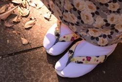 足袋についた汚れや黄ばみ……白さを取り戻すためのシミ抜き方法とは?