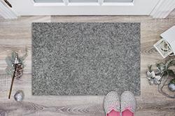 玄関マットの洗い方とは? 目に見えない汚れもスッキリ落とそう!