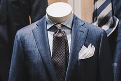 スーツ姿を素敵に着こなすためのワイシャツとネクタイの選び方