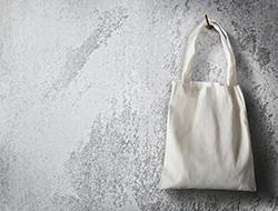 汚れが目立ちやすい「キャンバストートバッグ」のシミ抜きテクニック